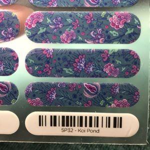 Jamberry nail wraps Koi Pond